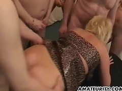 Amateur Milf gangbang with regard to huge facial shots