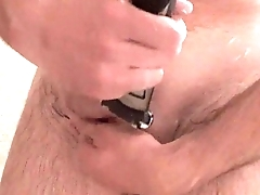 Afeitando mi polla. Shaving my dick