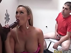 Cuckolder jizzed by bbc