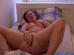 My girlfriend Tess from DarlingCams.com playing to herself in bed Part 1