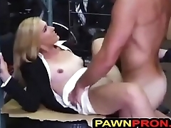 Reluctant Lady Seduced earn Have Steamy Sex