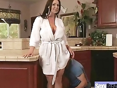 Busty Housewife (kendra lust) Love Intercorse In Front Of Camera mov-18